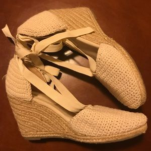 Kimchi Blue Ribbon Tie Crocheted Wedge Pumps